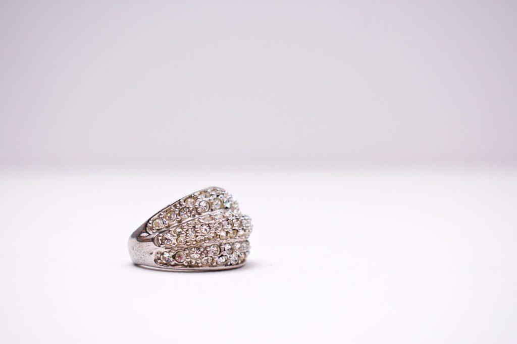 Des charms en argent compatibles aux bijoux Pandora